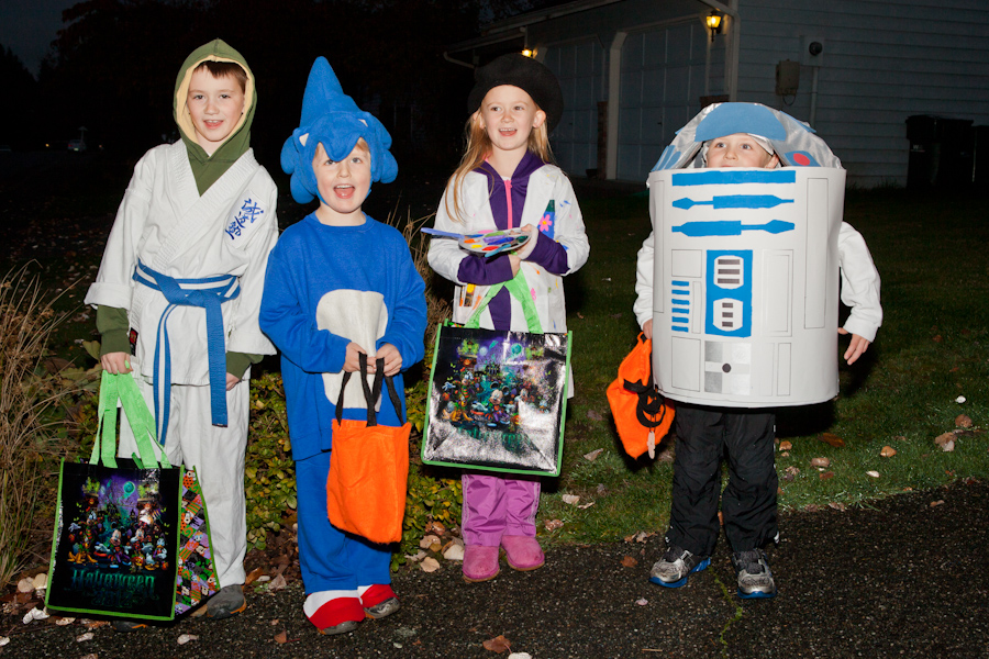 Matheiu, Will, Madeleine and Andrew ready for candy