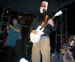 03_buckethead_and_maximum_b.jpg