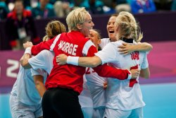 Norway celebrates a comeback 21-19 quarterfinal win over Brazil in Women's Handball (1)