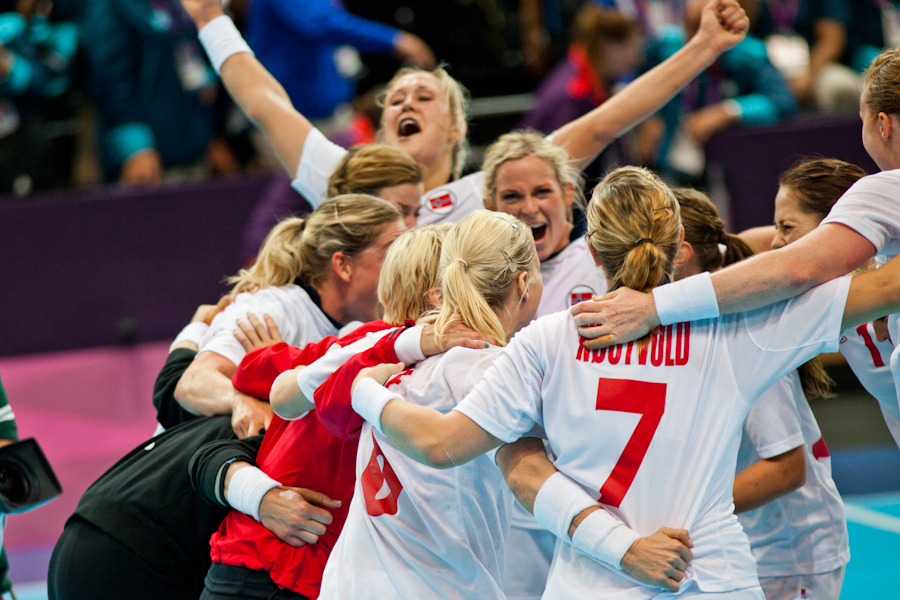 Norway celebrates a comeback 21-19 quarterfinal win over Brazil in Women's Handball (2)