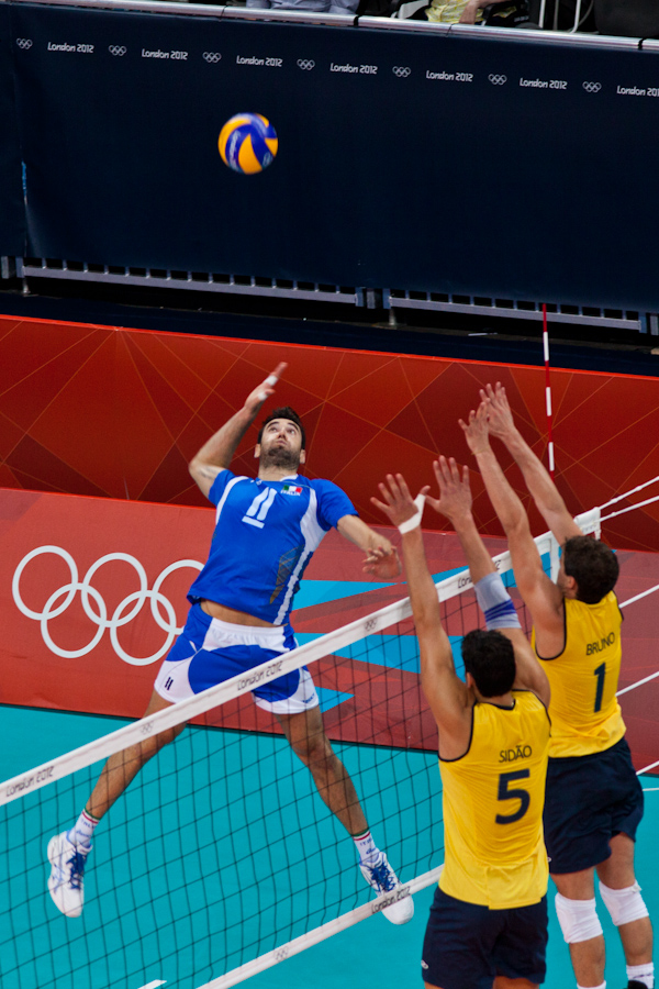 Italy vs. Brazil in Men's Volleyball (2)